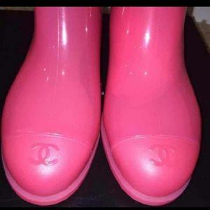 Chanel Rain pink Boots